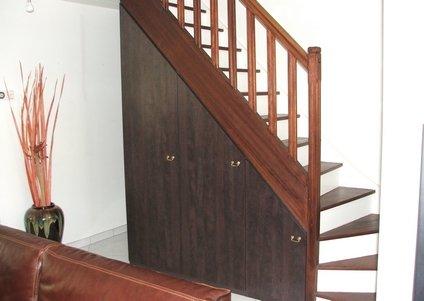 Elegance rangement placard sous escalier - Tiroir dans escalier ...