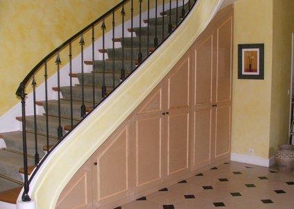 elegance rangement placard sous escalier. Black Bedroom Furniture Sets. Home Design Ideas