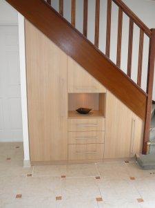Elegance rangement r alisation sous escalier sur mesure - Faire un placard sous escalier ...